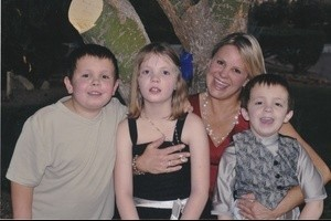 Logan, Morgan, Luke Perry with Mother Karen 10 2011